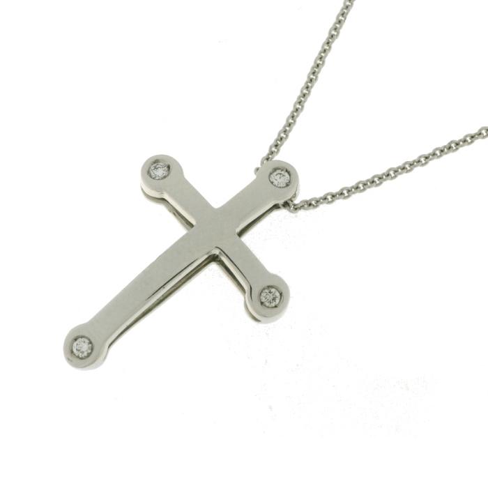 2dfdab690c21 Cruz oro blanco 18 Ktes. con cuatro diamantes talla brillante y cadena