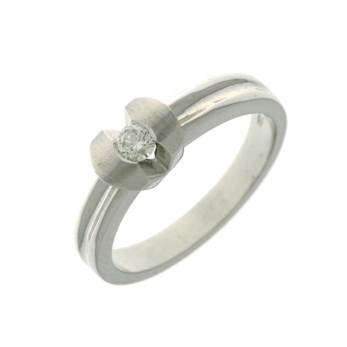 a2a638c629c2 Anillo oro blanco ktes. con un diamante talla brillante. Talla 13.
